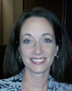 Laura Spiegelhalter receives award for family and career advising