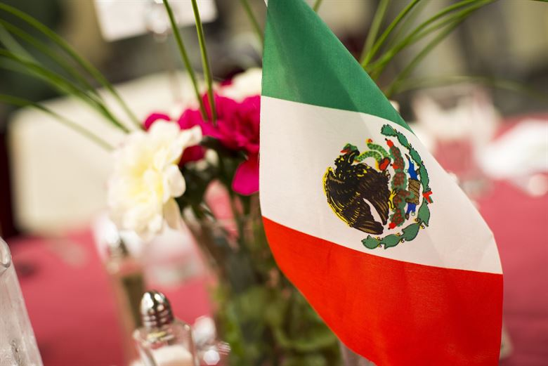 "RedEye: LAHSO panel demystifies ""LatinX"" vs ""Hispanic"""